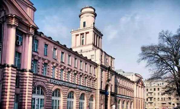 圣彼得堡国立精密机械与光学学院